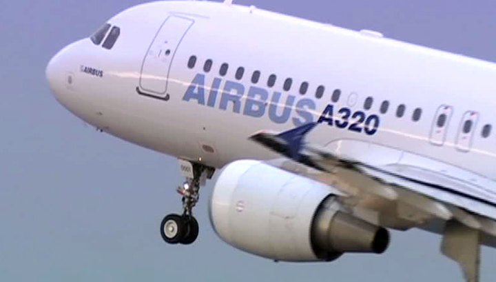1466753883_airbus-a320-napravlyavshiiysya-v-moskvu-vernulsya-v-tomsk-iz-za-pticy-v-dvigatele